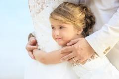 Dedans-Photography-_-Girl-Holding-Parent-Tenderly