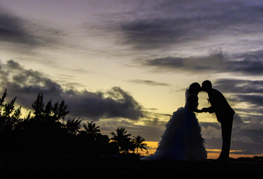 Wedding images taken at Cap Malheureux, Mauritius by Dedans Photography